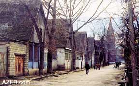 http://azer.com/aiweb/categories/magazine/ai122_folder/122_photos/122_06_hellenendorf.jpg