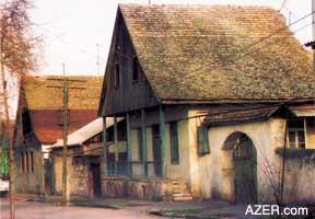 http://azer.com/aiweb/categories/magazine/ai122_folder/122_photos/122_10_hellenendorf.jpg
